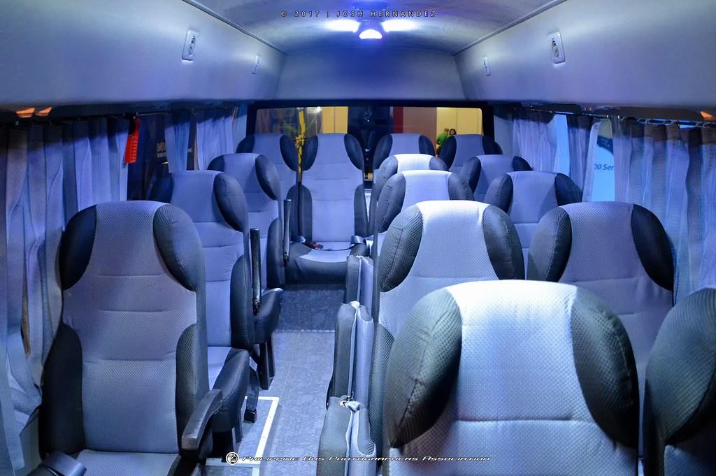 Hino 300 XZU710L Mini Bus - Interior 1/2