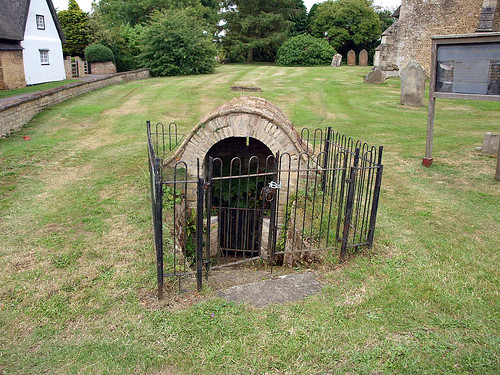 St Michael's well (2)