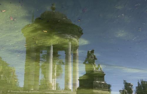 Villa Durazzo Pallavicini: Riflessi nel Lago Grande