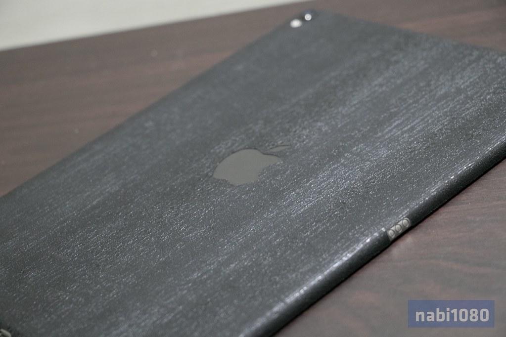 Dbrand スキンシール iPhone iPad MacBook Pro17