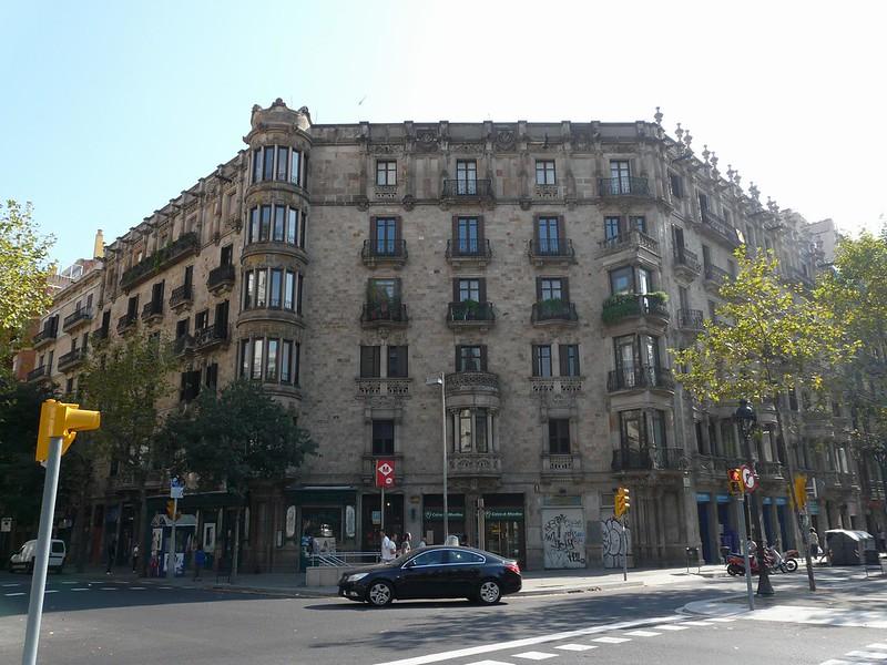 Gran Via de Corts Catalanes/ Carrer Villarroel