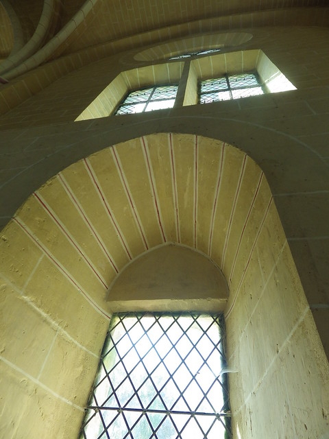 poulpstory_abbaye_chiry-ourscamp_detailfenetre