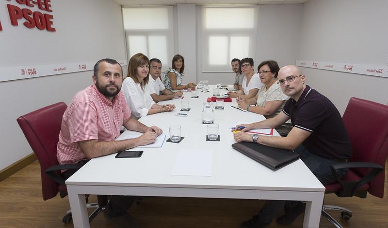 Reunión de las direcciones del PSE-EE y CCOO-Euskadi tras el congreso del sindicato