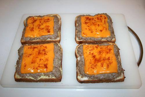01 - Bratwursttoast - Fertig gebacken / Finished baking