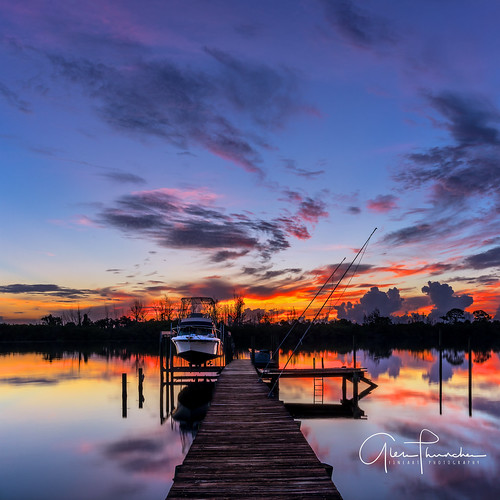 sony a7r2 sonya7r2 ilce7rm2 zeissfe1635mmf4zaoss fx fullframe longexposure scenic landscape waterscape nature outdoors sky clouds colors reflections sunrise boat fishing dock pier palmcity stuart florida southeastflorida martincounty stlucieriver