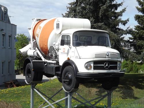 Mercedes-Benz L 1513