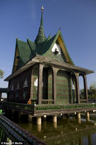 Ngôi Đền Phật G iáoWat Lan Kuad, Thailand. Ảnh dailymail.co.uk