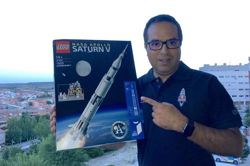 Con el Lego Saturn V