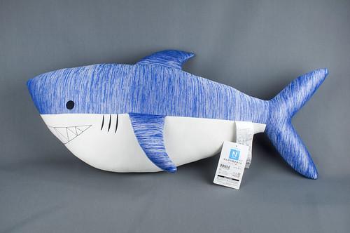 サメの抱きまくら