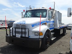 NYPD - 2005 Sterling Roll Back Tow Truck - ESU  6123 (9)