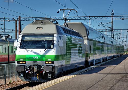 sr2 electric locomotive finnishrailways vr trains rautatie sähköveturi hyvinkää finland swiss marsu