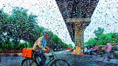 Rain - Abshine photography  Facebook:- https://www.facebook.com/Abshinephotography/  #abshine #abshinephotography #rain #delhi #street #baarish #drops #abshinestory #indiaphotoproject #liveforthestory #asia_photo_magazine #india_undiscovered #_iu #indiacl