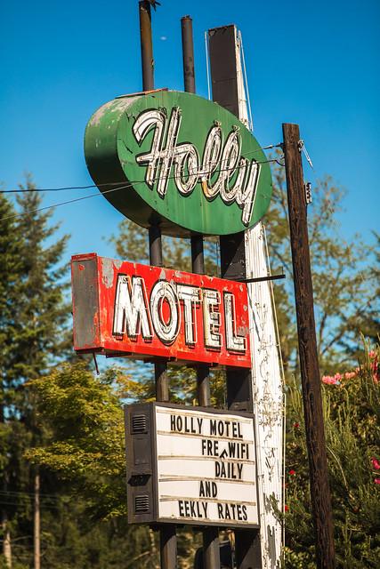 Holly Motel