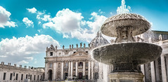 The vatican fountain for the #throwback #thursday. The whole square was amazing and huge and since it was easter it was packed with people coming for the papal mass among the tourist streams. I had a snack in front of this beautiful fountain, enjoyed the