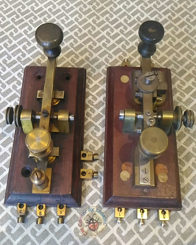 Swiss Multicurrent Morse keys in Comparsion