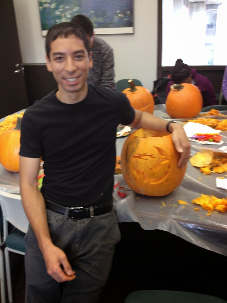 Halloween 2014- Pumpkin carving with Gloria Culver's lab