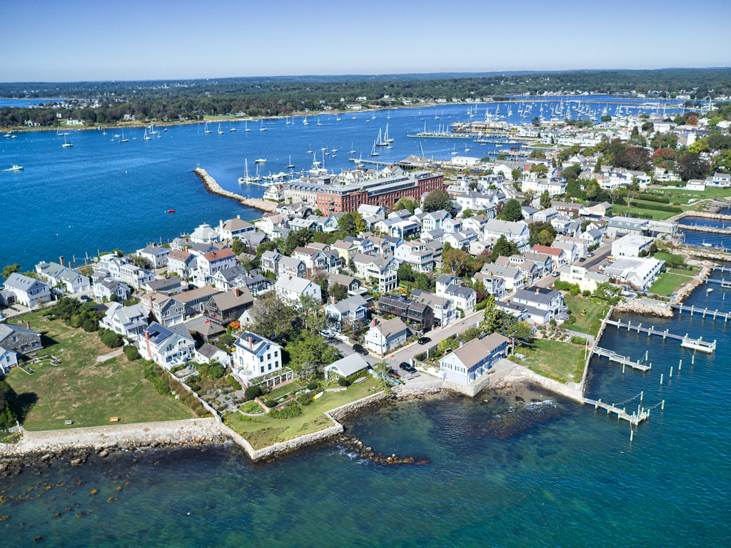 the stonington beach hotel Explore an array of stonington, ct vacation rentals, including houses, bungalows & more bookable online choose from more than 438 properties, ideal house rentals for families, groups and couples rent a whole home for your next vacation.