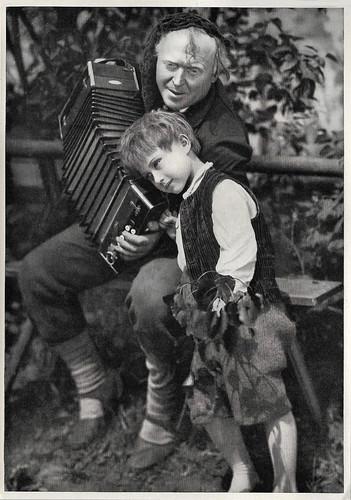 Werner Krauss and Heinerle in Der fidele Bauer (1929)