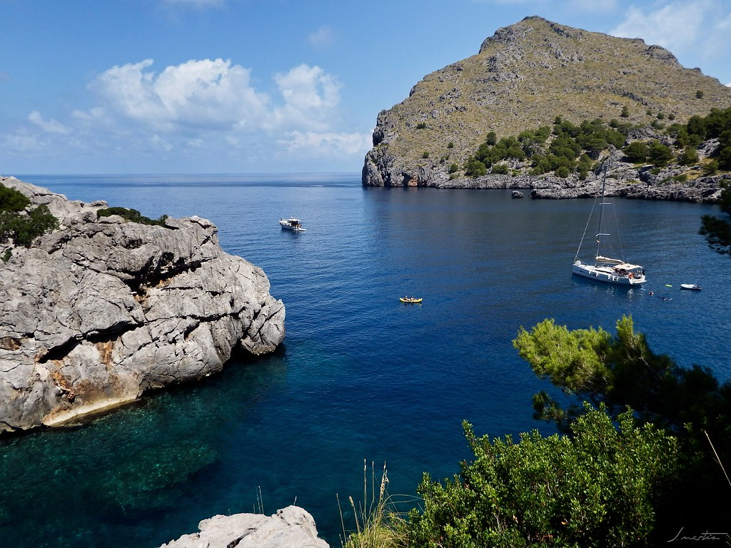 an overview of the balearic islands Discover the iyc luxury yacht cruising itinerary charter a superyacht to cruise  balearic islands.