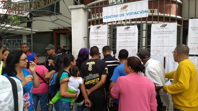 Gleisi e Monica Valente: Convocar o povo venezuelano para decidir seu futuro