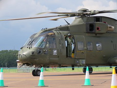 ZJ136 U arriving.