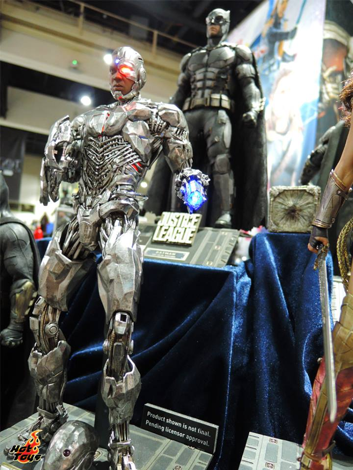 Hot Toys Justice League Cyborg SDCC2017