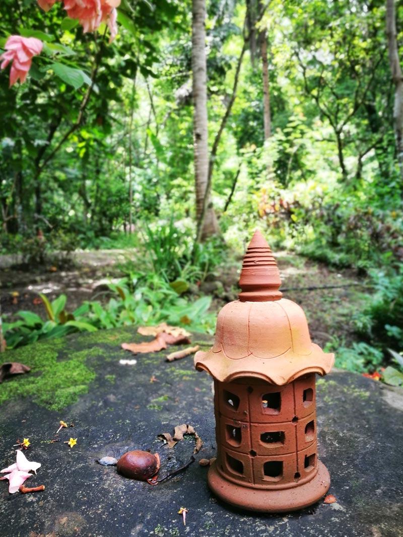 Mount-Purro-clay-lantern | www.wearejuanderers.com