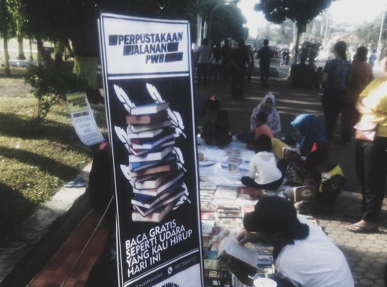 Perpustakaan-jalanan-purworejo