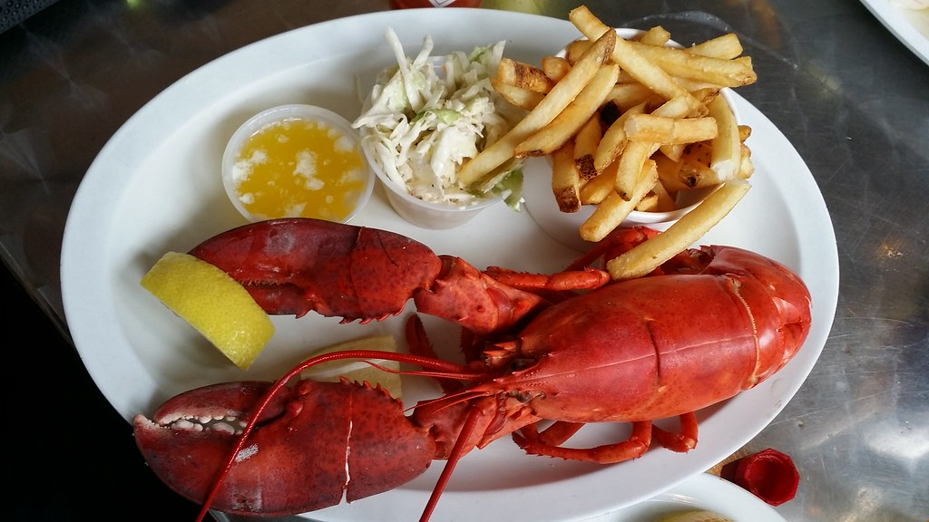 St. Paul's Fish Company | Places to See in Milwaukee