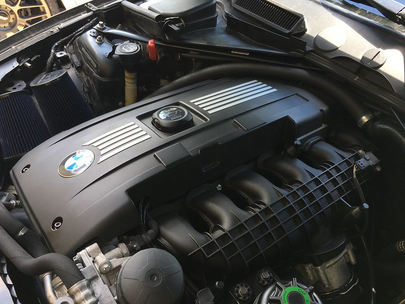 2008 BMW 135i Engine Cover