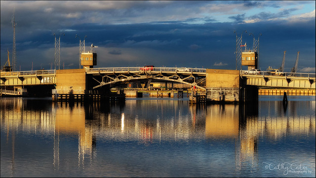 Sunset on Birkenhead Bridge