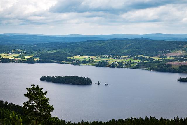 View 2 from Tossebergsklätten Mountain