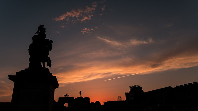 Sunset by the Louvre