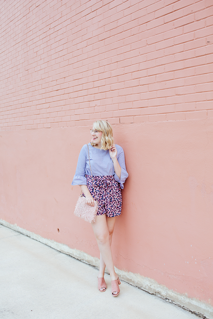 austin fashion blogger writes like a girl bell sleeves floral shorts7