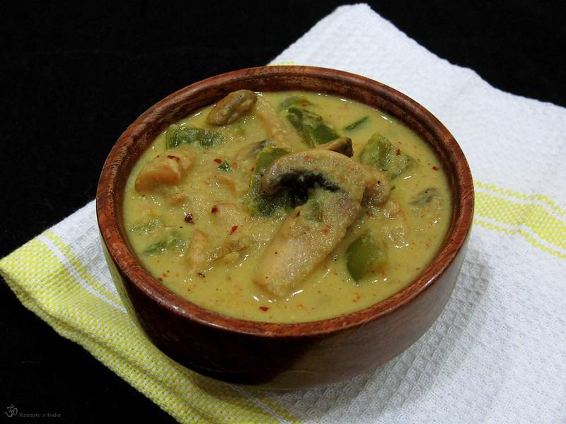 Kari so sampinonmi a zelenou paprikou (alebo cuketou)
