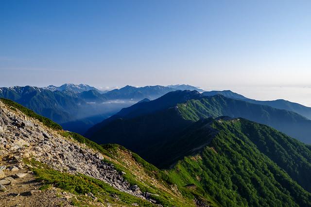 大天荘を発ち燕岳・燕山荘に向かいます