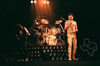Queen live @ Houston - 1982