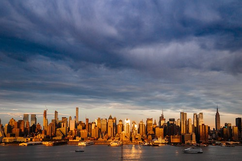 manhattan skyline nyc newyork newyorkcity weehawken clouds sunset canon6d ef24105 evening cityscape contrast landscape travel 2017 june summer hudsonriver usa ny waterfront skyscrapers