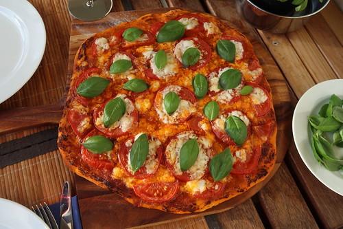 Pizza Margherita (noch ganz)