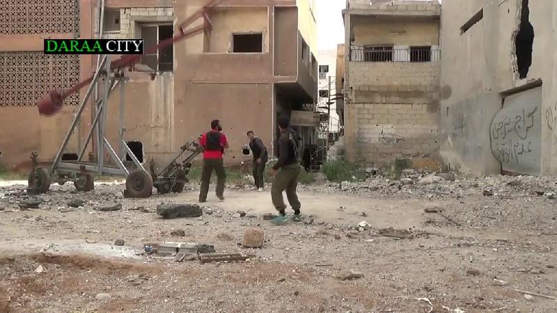 Syria-trebuchet-daraa-c2014-llc-1