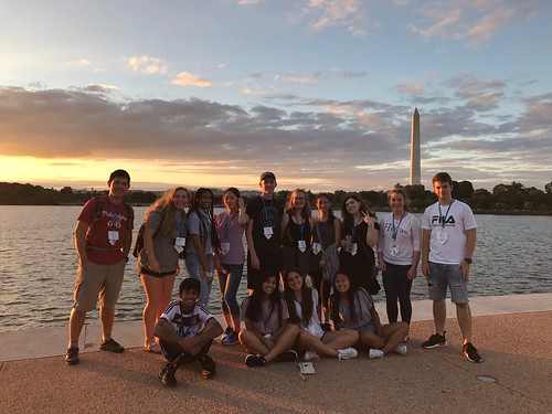 INTL and LAWA Students Experience Washington At Night