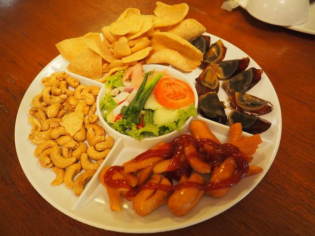 P6243733 Koh Lan Ta Restaurant & Karaoke at Suvarnabhumi thailand bangkok タイ バンコク