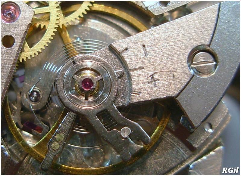 Ce qu´il y a dedans d´une Vostok Amphibia, avec des photos. 35169292703_5b6d51b2a8_b