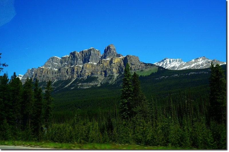 The scenery along  AB-93 N(Icefields Parkway) (3)