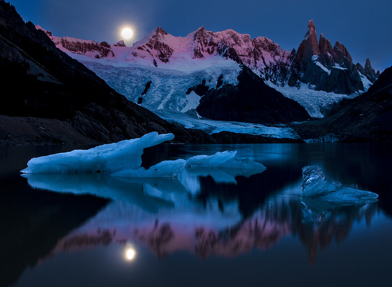 Lago Verde (maybe) Moonset - Patagonia