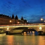 Pont au Change et Conciergerie Paris