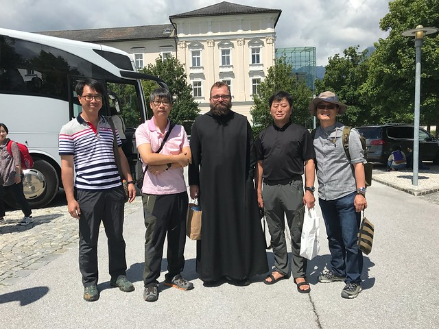 koreanische Priester