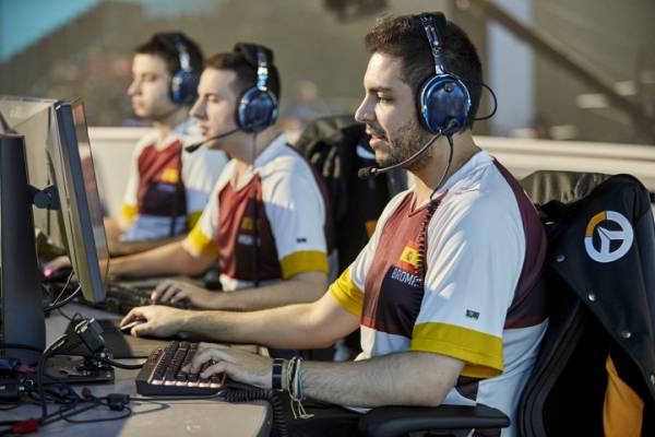 Overwatch_World_Cup_Competitors_@_BlizzCon_2016_-_Anaheim__CA_-_Nov_4-5__2016_(1)