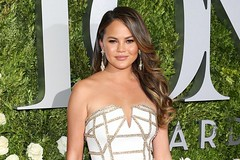 Chrissy Teigen's Snap Of Her 'Period Skin' Is Something We Can All Relate To