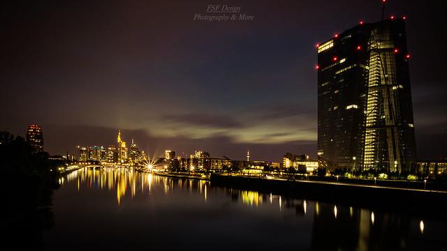 EZB mit Skyline Frankfurt, Nikon D5300, Sigma 10-20mm F3.5 EX DC HSM